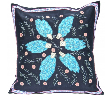 Tania Uvas Pillow  made by Honduras Threads.