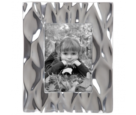 "4"" x 6"" Aluminum Picture Frame made by Glamour House."