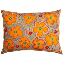 Orvelina Flores Pillow